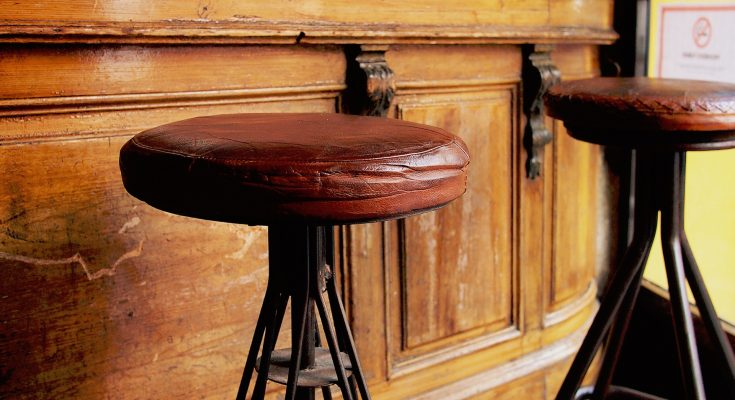 cheapest-bar-stools